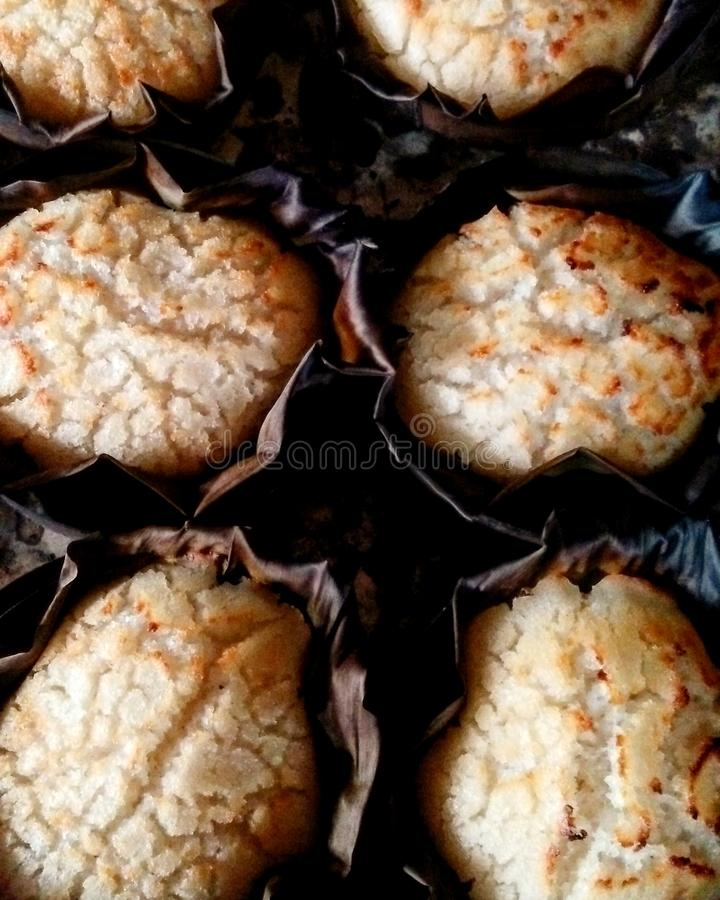 Κατ' οίκον γίνοντα κέικ ρυζιού στις Φιλιππίνες από τη μαμά Βίκυ στοκ φωτογραφία
