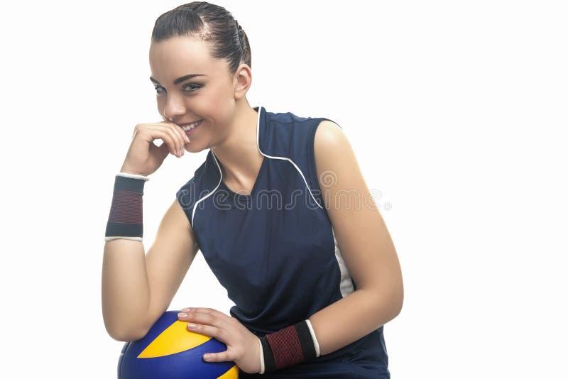 Καυκάσια θηλυκή επαγγελματική συνεδρίαση αθλητών πετοσφαίρισης και Hol στοκ φωτογραφία με δικαίωμα ελεύθερης χρήσης