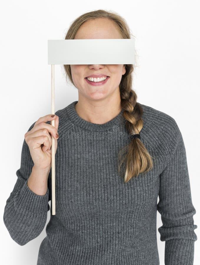 Καυκάσια σημαία εκμετάλλευσης γυναικών που καλύπτει τα μάτια στοκ εικόνες με δικαίωμα ελεύθερης χρήσης