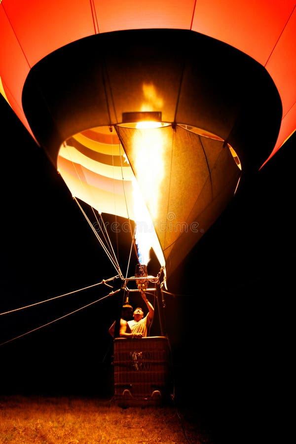 καυτή νύχτα μπαλονιών αέρα στοκ εικόνα