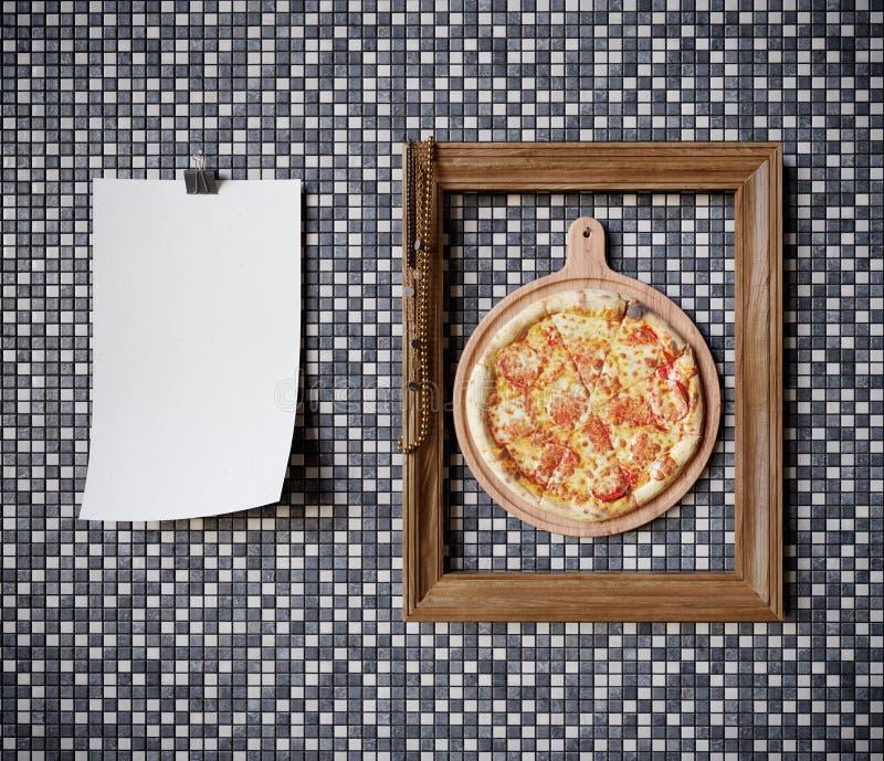 Καυτή φέτα πιτσών με το λειώνοντας τυρί με τη φωτογραφία έννοιας πλαισίων κοντά επάνω στοκ εικόνες