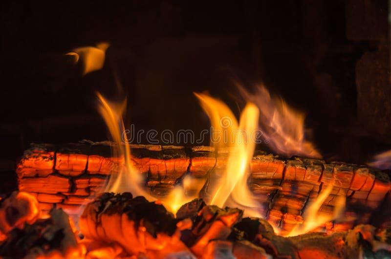 Καυτοί άνθρακες στοκ εικόνες