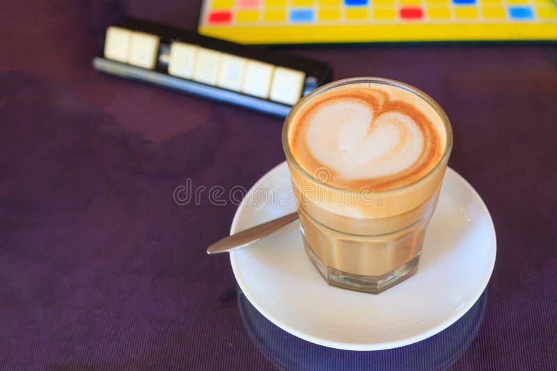 ?????? ??????? ????? Caffe Latte ??? ???????????? ?? ??? ????? ????? ??????? ??? ???????? ???? ???? ???? ???????? ??? ????? ??? ? στοκ εικόνες
