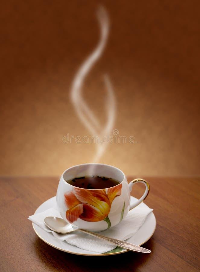 καυτό τσάι φλυτζανιών στοκ εικόνες με δικαίωμα ελεύθερης χρήσης