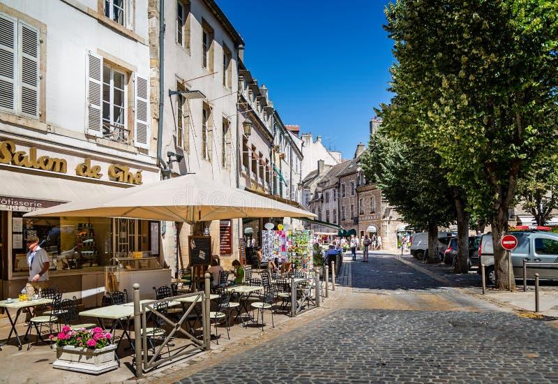 Καφέδες οδών στο Beaune, Burgundy, Γαλλία στοκ φωτογραφίες