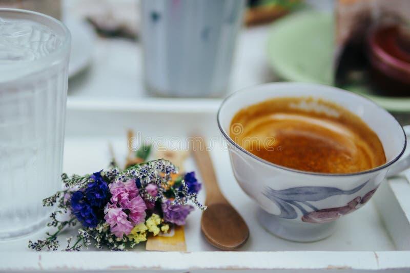 Καφές απογεύματος, χρόνοι τσαγιού στοκ φωτογραφία με δικαίωμα ελεύθερης χρήσης
