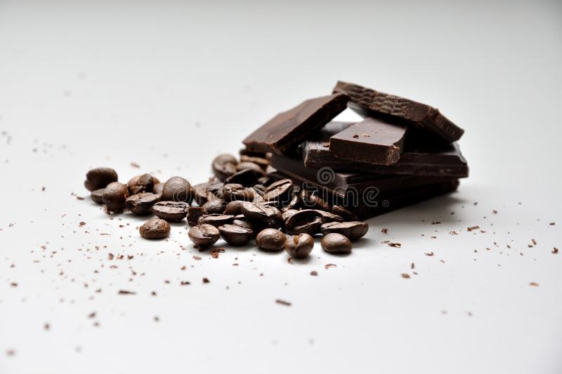 Καφές ισχυρός και σκοτάδι σοκολάτας στοκ εικόνες