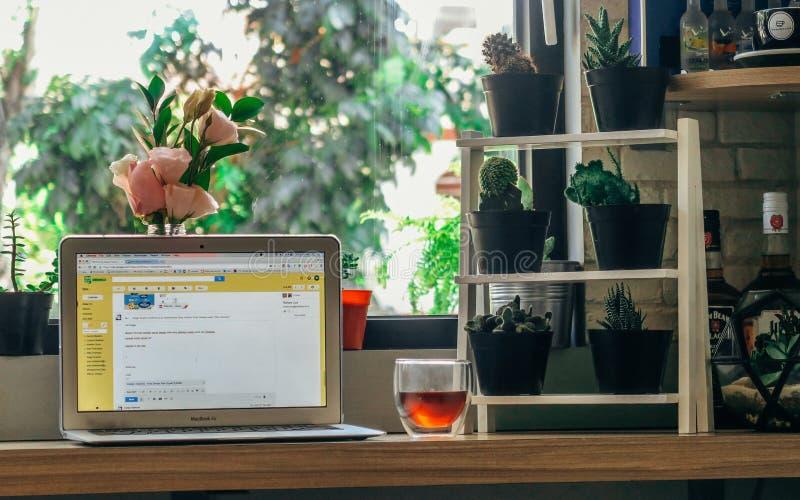 Καφές και εργασία στοκ φωτογραφία με δικαίωμα ελεύθερης χρήσης