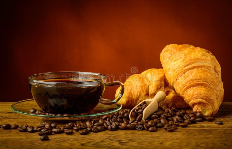Καφές και croissants στοκ εικόνες