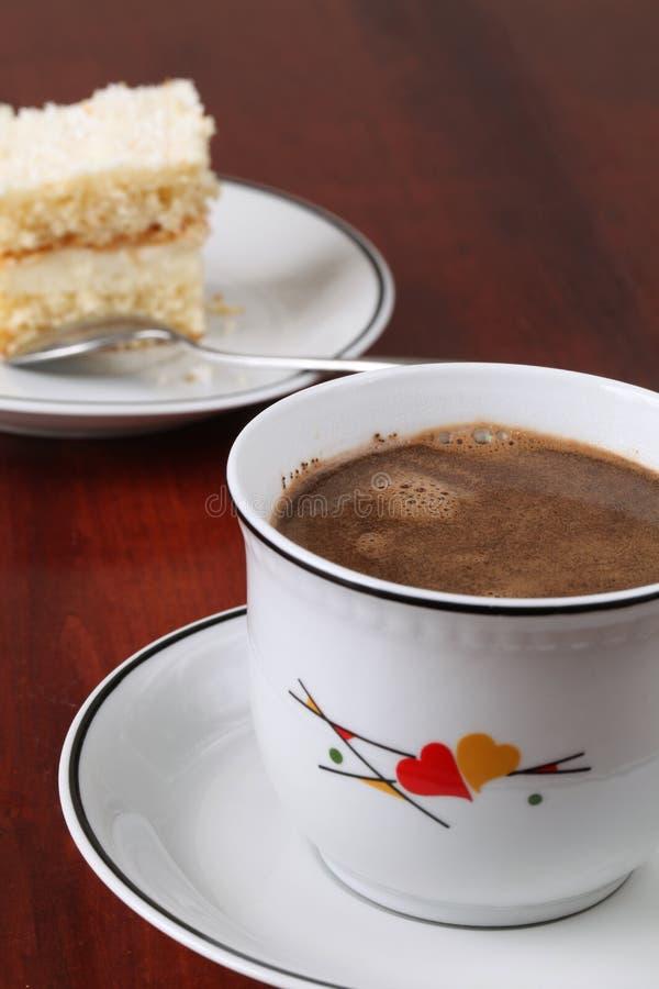 Download καφές καρύδων κέικ στοκ εικόνες. εικόνα από κανένας, κρέμα - 13182620