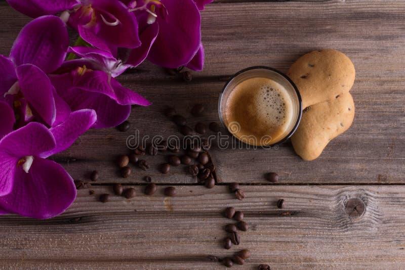 Καφές, λουλούδια, ισχυρός καφές, καφές, cafelife, ποτό, coffelover στοκ εικόνα
