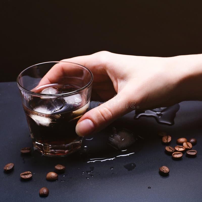 Καφές πάγου με το ουίσκυ στοκ εικόνα με δικαίωμα ελεύθερης χρήσης