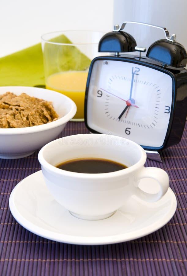 καφές ρολογιών προγευμά&ta στοκ εικόνα με δικαίωμα ελεύθερης χρήσης