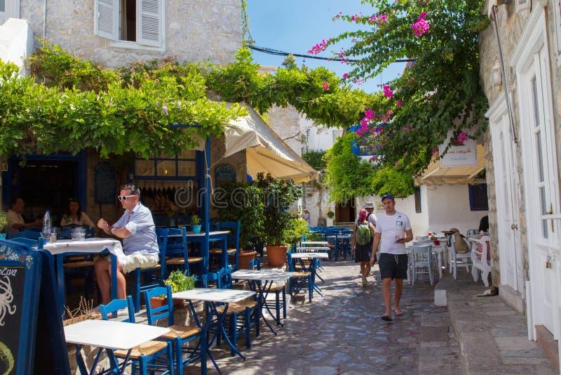 Καφές στη σκιερή θέση στην πόλη Hydra στοκ φωτογραφία με δικαίωμα ελεύθερης χρήσης