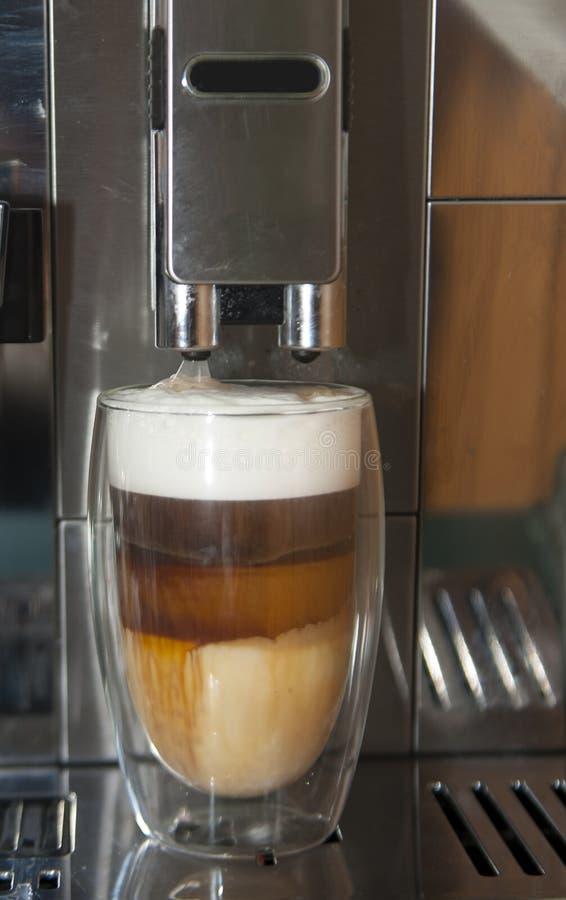 Καφές στο πρόσφατο americano cappuccino προγευμάτων στοκ εικόνες