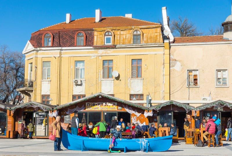 Καφές στο τετράγωνο του Cyril και Methodius στο κέντρο Bourgas, Βουλγαρία στοκ φωτογραφία