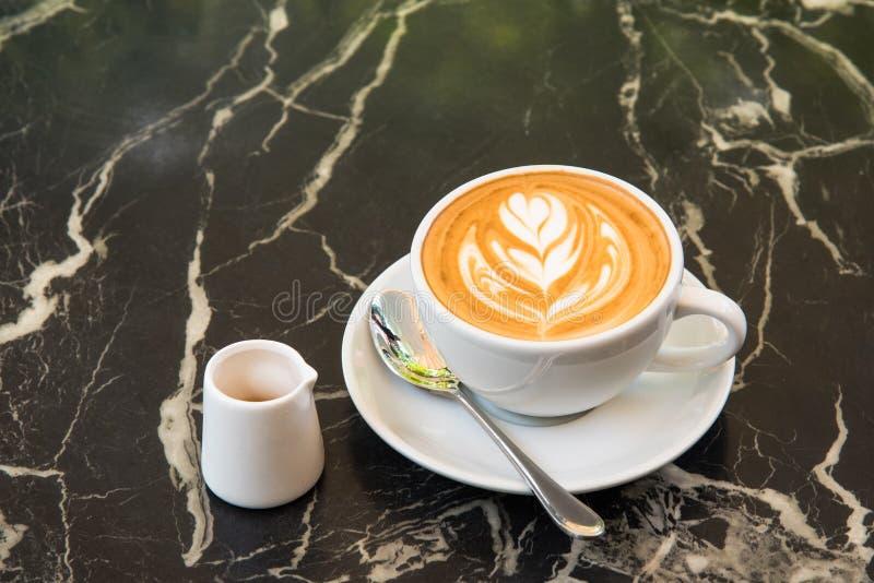 Καφές τέχνης Latte στοκ εικόνα