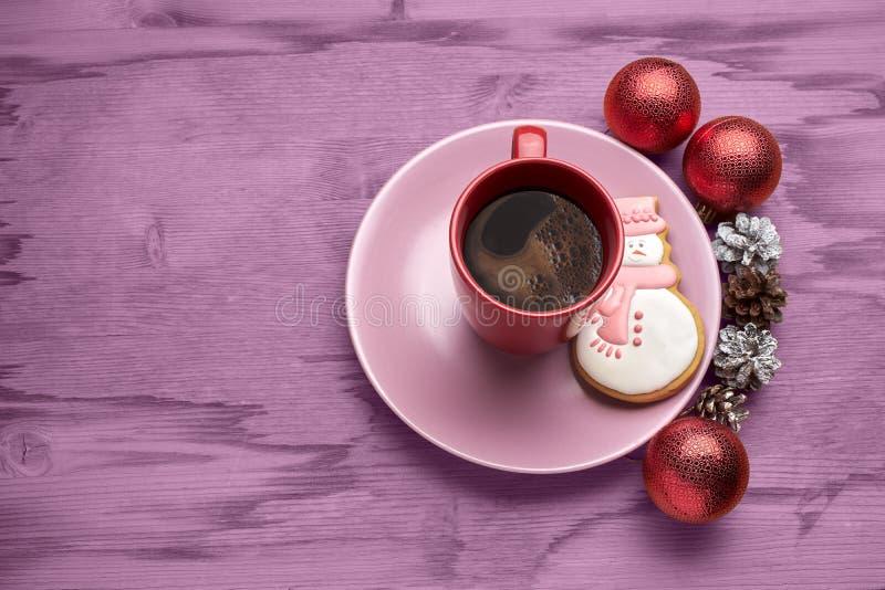 Καφές Χριστουγέννων με τα μπισκότα στοκ εικόνα με δικαίωμα ελεύθερης χρήσης