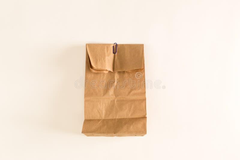 καφετί γίνοντα έγγραφο τσαντών χρησιμοποιούμενο στοκ εικόνα με δικαίωμα ελεύθερης χρήσης