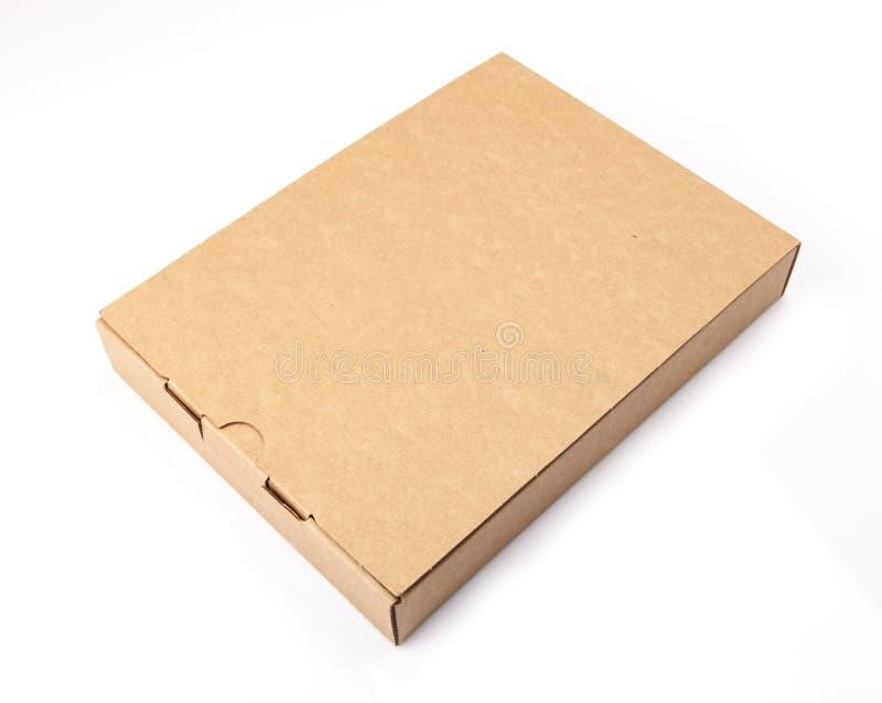 Καφετί κουτί από χαρτόνι συσκευασίας που απομονώνεται στο άσπρο υπόβαθρο στοκ εικόνες