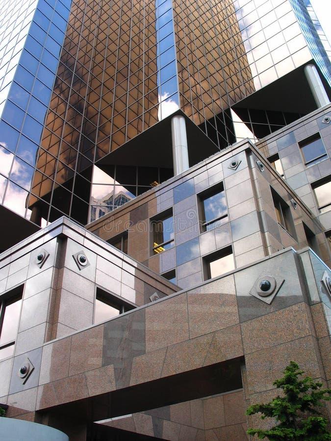καφετί κτήριο σύγχρονο στοκ φωτογραφία με δικαίωμα ελεύθερης χρήσης