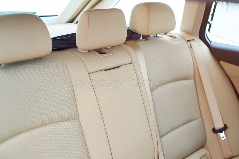 Καφετί πίσω κάθισμα αυτοκινήτων στοκ φωτογραφία με δικαίωμα ελεύθερης χρήσης