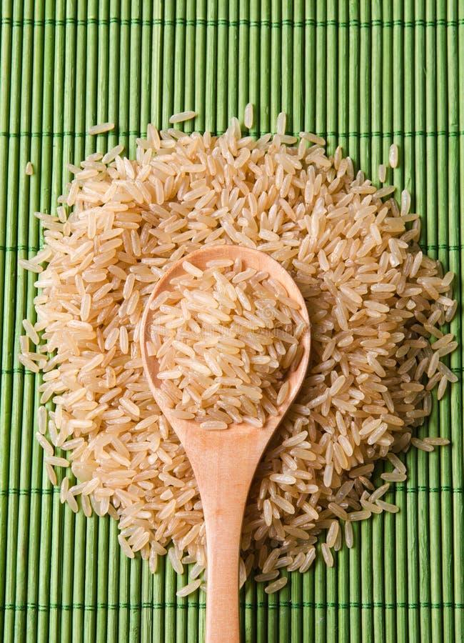 καφετί ρύζι αναχωμάτων στοκ φωτογραφία