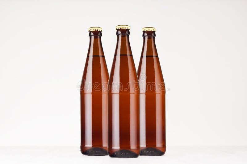 Καφετιά NRW χλεύη μπουκαλιών μπύρας ομάδας 500ml επάνω στοκ φωτογραφίες
