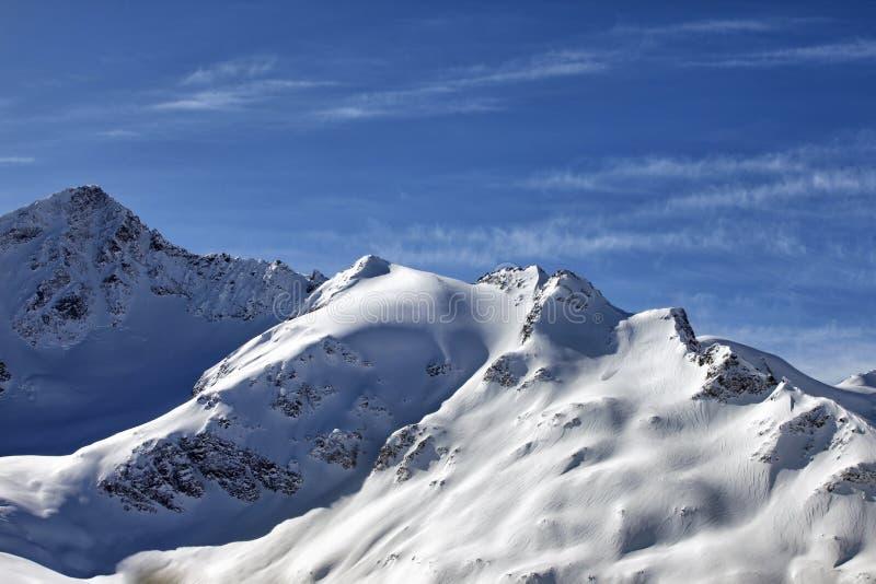 Καύκασος Η άποψη σχετικά με Elbrus τοποθετεί - το υψηλότερο σημείο της Ευρώπης στοκ εικόνες με δικαίωμα ελεύθερης χρήσης