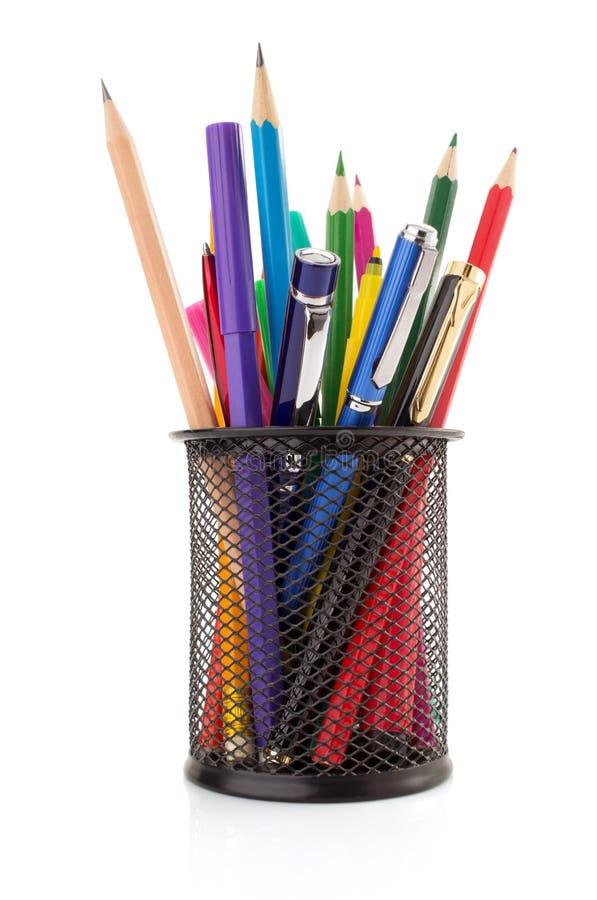 Καλάθι και μάνδρα κατόχων με το μολύβι στοκ εικόνες