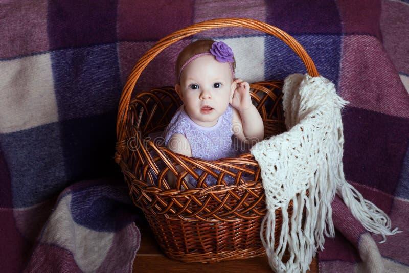καλάθι μωρών στοκ εικόνα με δικαίωμα ελεύθερης χρήσης