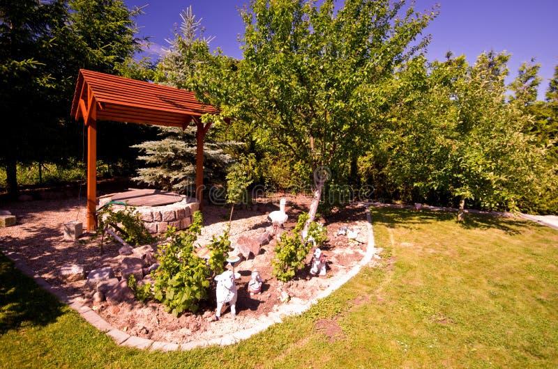 Καλά στον κήπο στοκ φωτογραφία με δικαίωμα ελεύθερης χρήσης