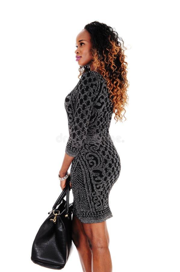 Καλή γυναίκα που στέκεται στο σχεδιάγραμμα στοκ φωτογραφίες με δικαίωμα ελεύθερης χρήσης