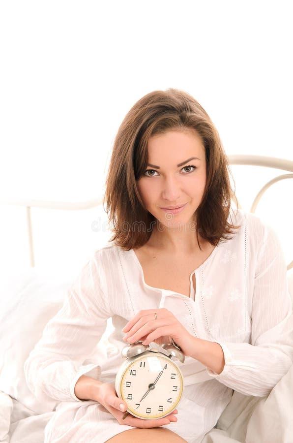 Καλημέρα για την ελκυστική νέα γυναίκα στοκ φωτογραφία με δικαίωμα ελεύθερης χρήσης