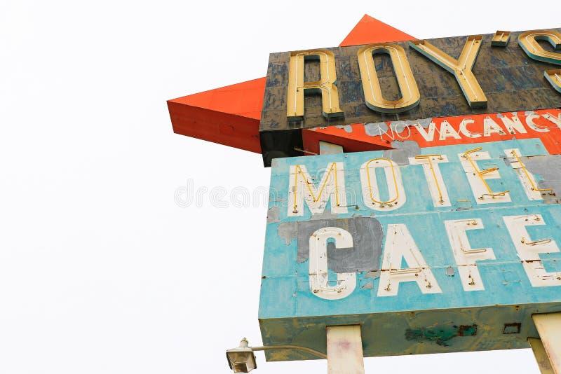 Καλιφόρνια, το σημάδι μοτέλ του Roy ` s στοκ φωτογραφία