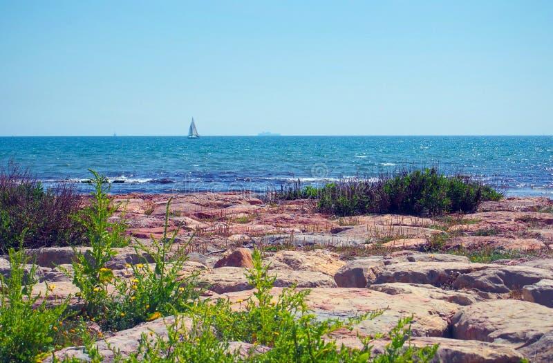 Καλοκαίρι seaview σε Κόστα ντελ Σολ, Ισπανία στοκ εικόνα με δικαίωμα ελεύθερης χρήσης
