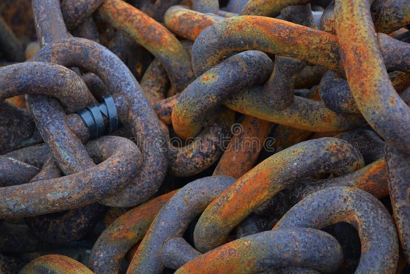 Καλυμμένες σκουριά αλυσίδες στοκ εικόνες με δικαίωμα ελεύθερης χρήσης