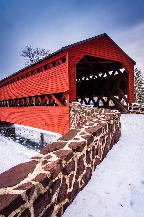 Καλυμμένη γέφυρα Sach κατά τη διάρκεια του χειμώνα, κοντά σε Gettysburg, Pennsy στοκ εικόνα