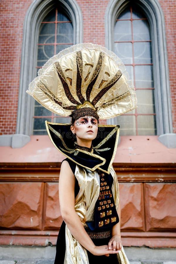 Καλυμμένη καρναβάλι γυναίκα στοκ εικόνα