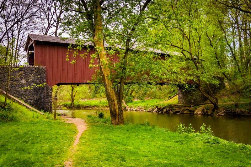 Καλυμμένη μύλος γέφυρα Kurtz στη κομητεία Central Park, pe του Λάνκαστερ στοκ φωτογραφία με δικαίωμα ελεύθερης χρήσης