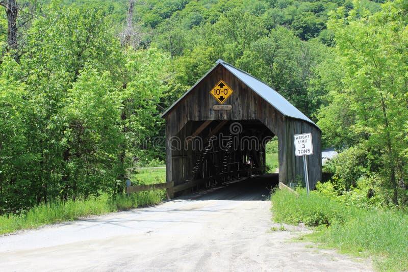 Καλυμμένη πυρόλιθος γέφυρα στοκ εικόνες με δικαίωμα ελεύθερης χρήσης