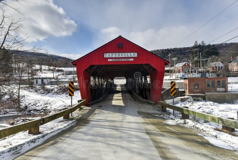 Καλυμμένη Taftsville γέφυρα - Βερμόντ στοκ εικόνα με δικαίωμα ελεύθερης χρήσης