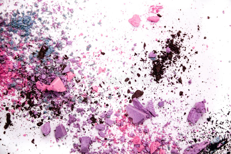 Καλλυντικό διεσπαρμένο σκόνη διάστημα αντιγράφων σκιάς ματιών διάφορο σύνολο που απομονώνεται στο άσπρο υπόβαθρο Η έννοια της μόδ στοκ εικόνα με δικαίωμα ελεύθερης χρήσης