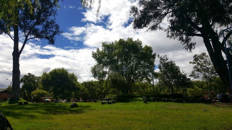 καλός ηλιόλουστος ημέρα στοκ εικόνες με δικαίωμα ελεύθερης χρήσης