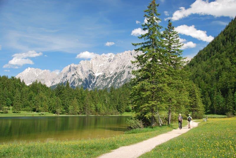 Καλό τοπίο σε Ferchensee στα βαυαρικά όρη στοκ φωτογραφία