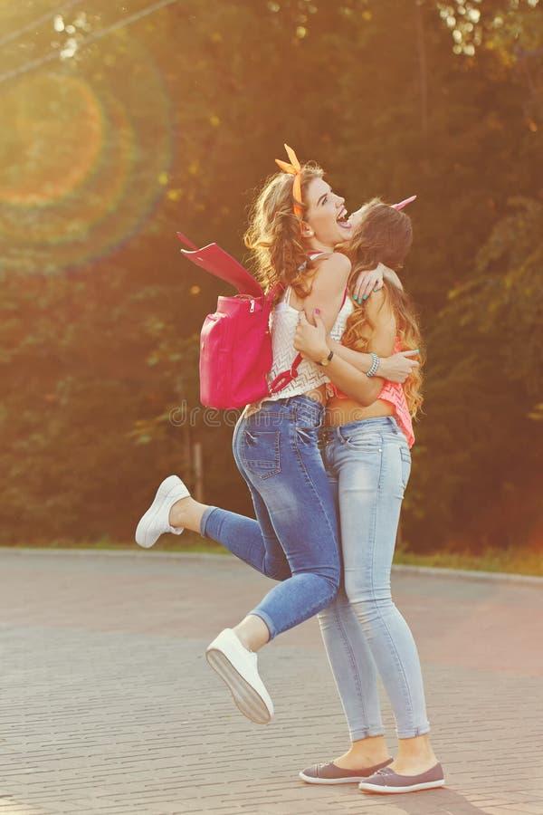καλύτερες φίλες στοκ φωτογραφία με δικαίωμα ελεύθερης χρήσης