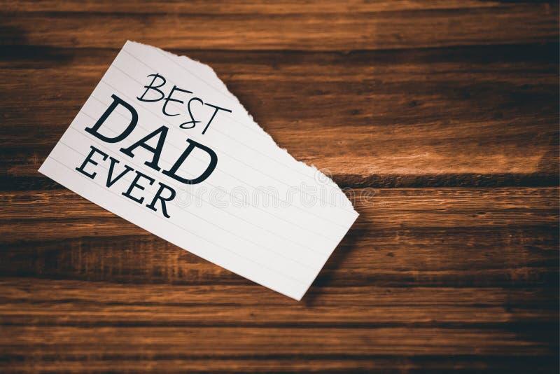 Καλύτερος μπαμπάς που γράφεται πάντα σε χαρτί στοκ φωτογραφία με δικαίωμα ελεύθερης χρήσης