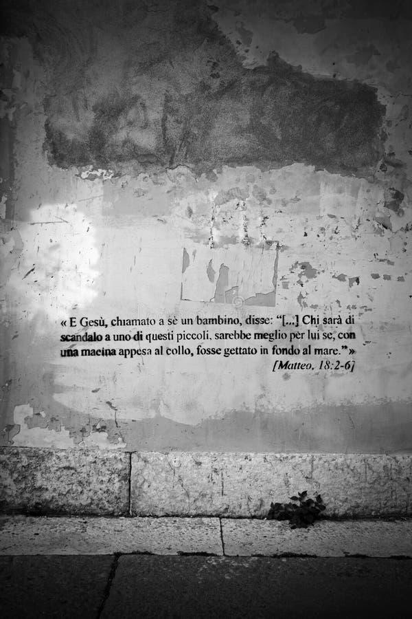 κείμενο γκράφιτι Βίβλων στοκ φωτογραφία με δικαίωμα ελεύθερης χρήσης