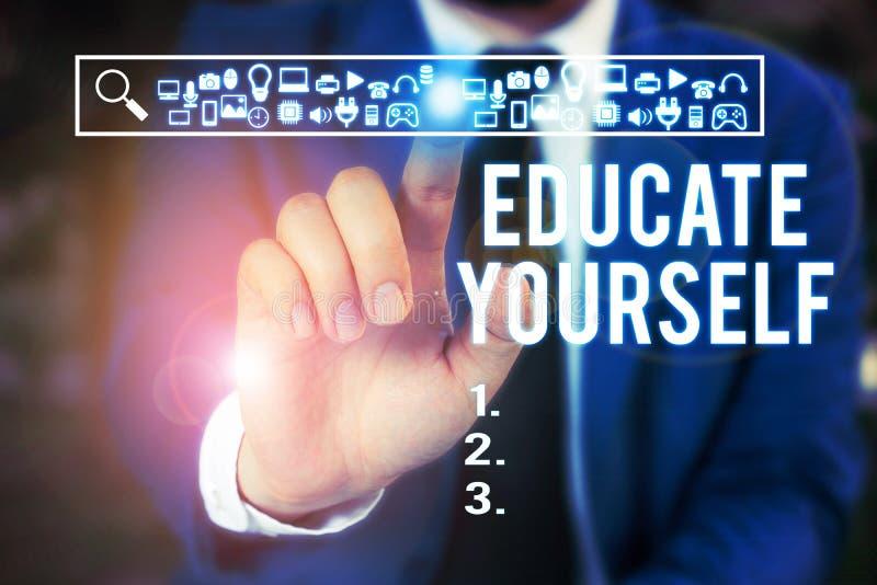 Κείμενο γραφής λέξεων Εκπαιδεύστε τον εαυτό σας Επιχειρηματική ιδέα για την προετοιμασία ενός ατόμου ή κάποιου σε συγκεκριμένο το στοκ εικόνα