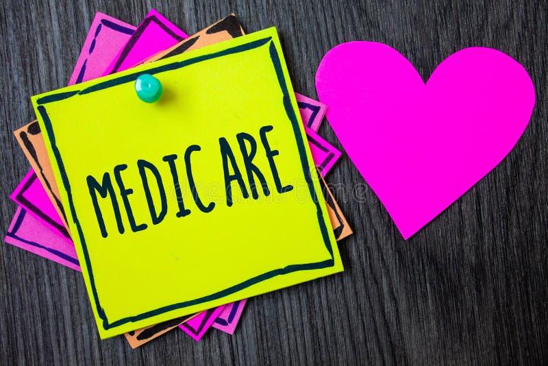 Κείμενο γραφής που γράφει Medicare Έννοια που σημαίνει την ομοσπονδιακή ασφάλεια υγείας για τους ανθρώπους επάνω από 65 ή τα ανάπ στοκ εικόνες